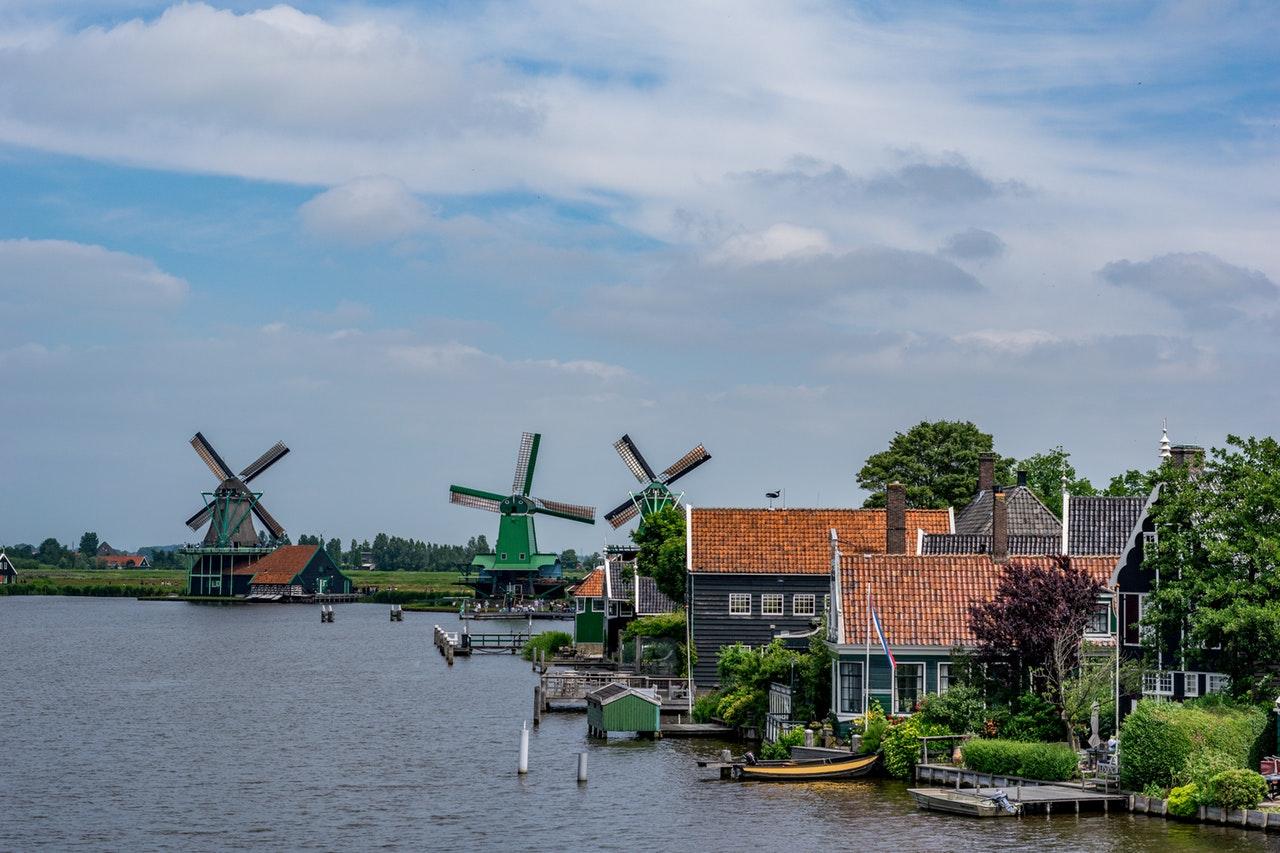 ubezpieczenie-turystyczne-do-holandii