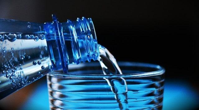 Pij tylko wodą butelkowaną na Dominikanie.