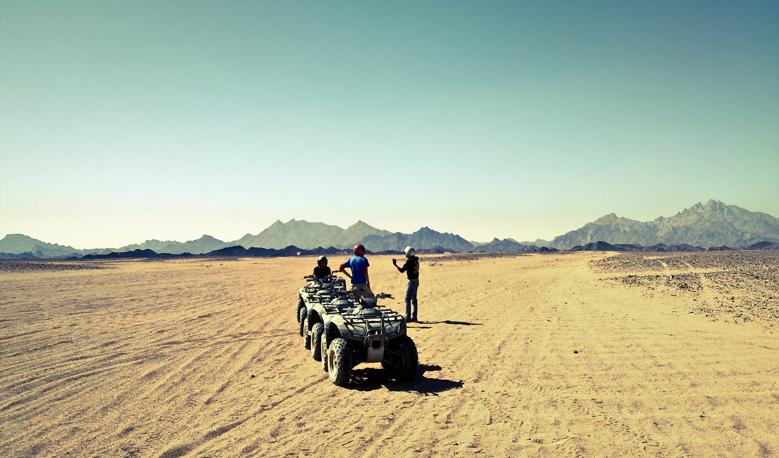 Egipt, Hurghada, Jazda quadem na safari