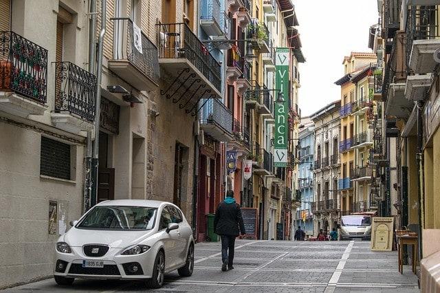 """Uważaj na """"uczynnych złodziei"""" w Hiszpanii."""