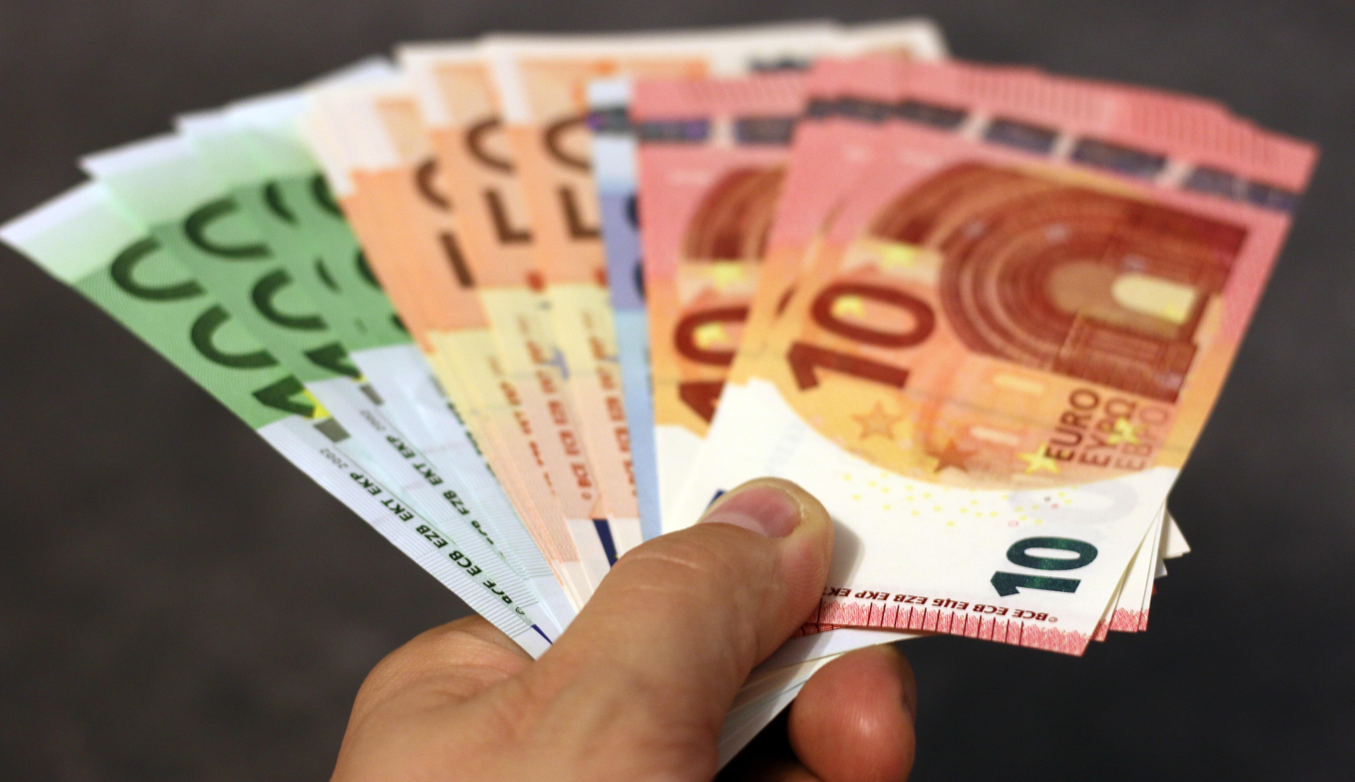 Uważaj na dodatkowe opłaty w restauracjach we Włoszech.