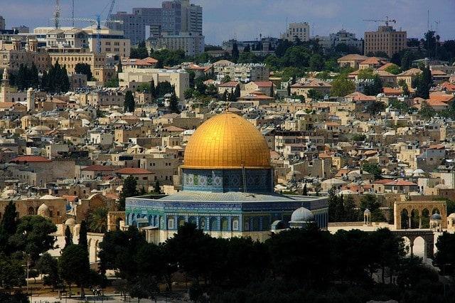 Ze względu na trudną sytuację na granicy z Palestyną należy wziąć pod uwagę utrudnienia w ruchu w Izraelu.