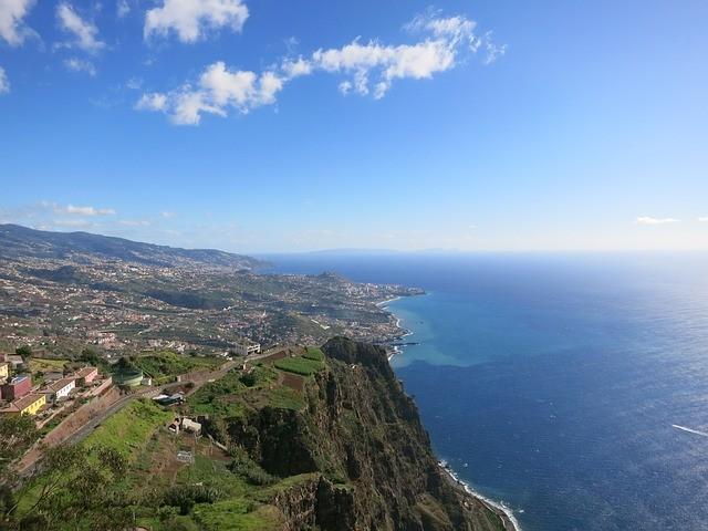Poznaj niezwykłe miejsca na Maderze, w Portugalii.