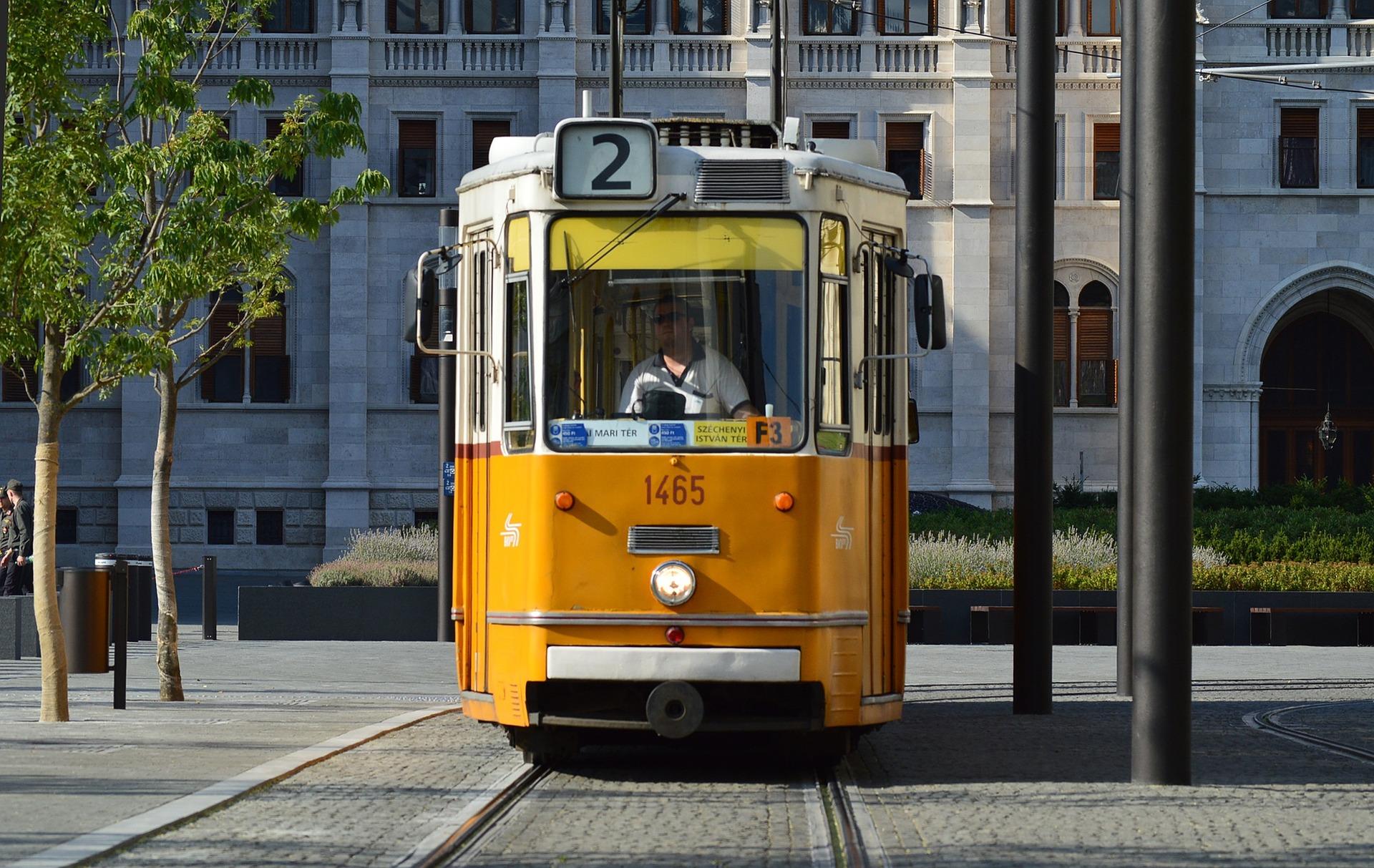Komunikacja miejska na Węgrzech.