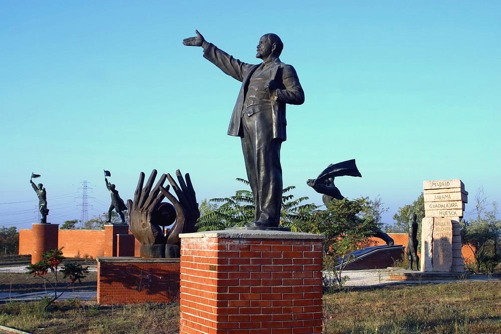 Pomniki Stalina, Lenina na Węgrzech.