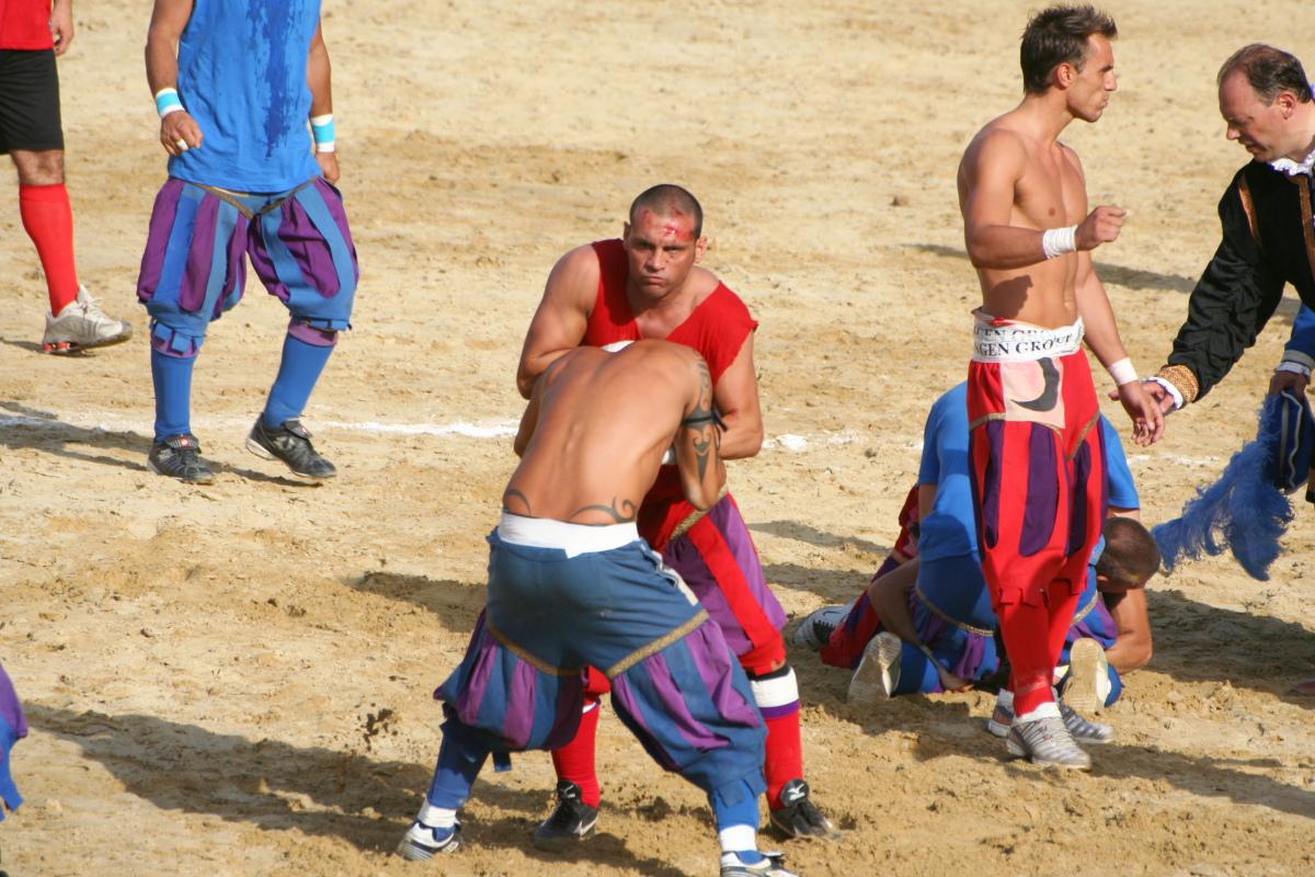 We Włoszech możemy doszukiwać się korzeni piłki nożnej.